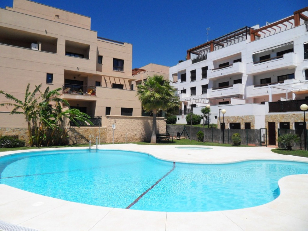 Come and take a look at this superb investment in the La Noria area of La Cala de Mijas.  This secon, Spain