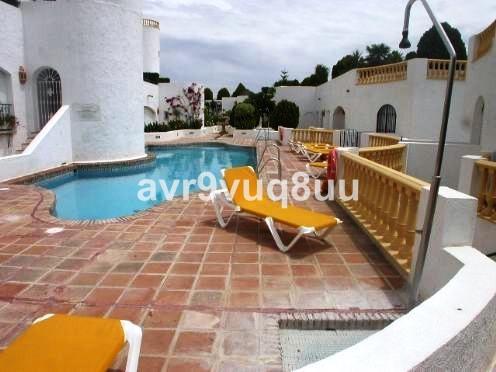 Apartamento Planta Baja a la venta en Mijas Golf – R2138401
