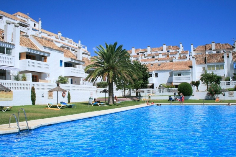FANTASTIC townhouse in the heart of Mijas Golf.  Brand new kitchen and master bathroom.  Large outdo, Spain