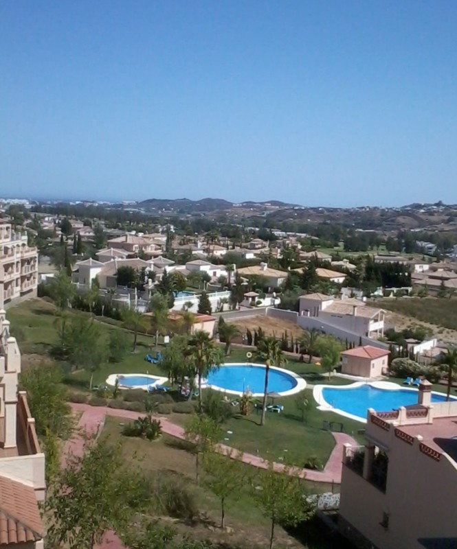 Beautifully presented 2 bedroom corner apartment in Mijas Golf with large terrace and great views! T,Spain