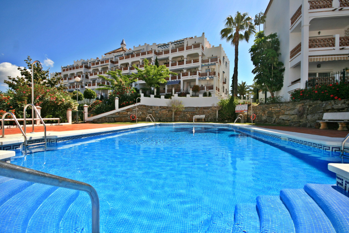 Amazing views! Spacious front-line golf apartment with the most amazing panoramic golf views! This g, Spain