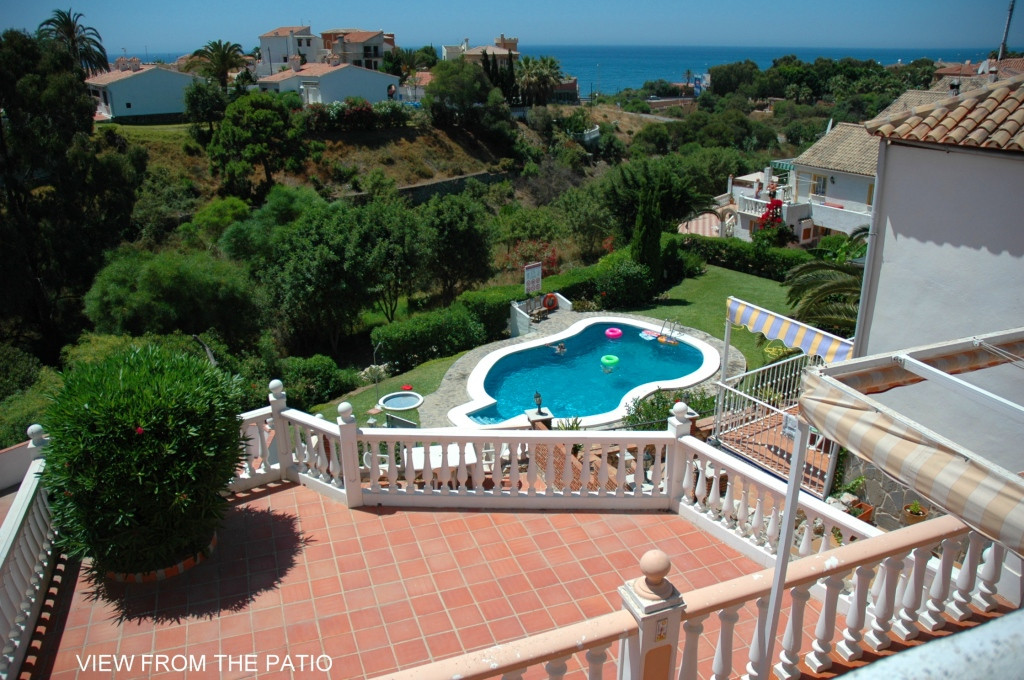 This is a bright and spacious detached house located on a small urbanisation in El Faro with amazing, Spain