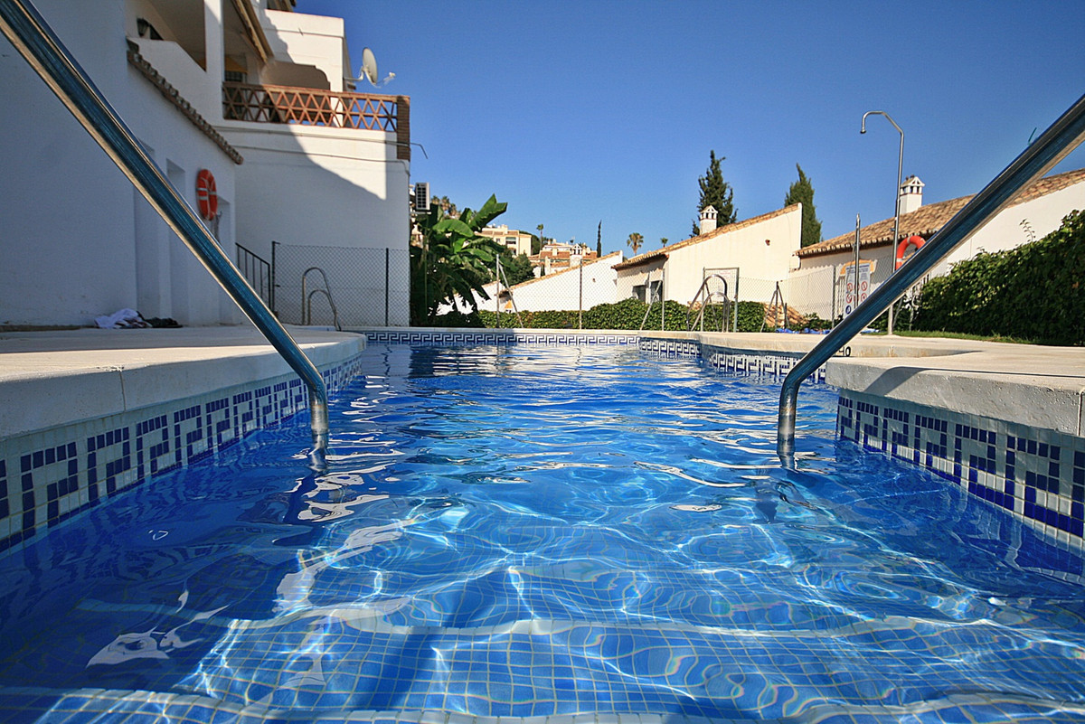 Fantastic 2 bedroom house located in the lower part of Riviera, walking distance to all amenities in, Spain