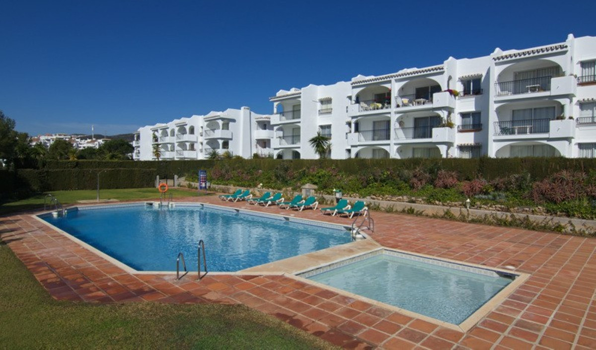 Great value apartment located in the area of Miraflores within waling distance of the Las Terrazas c,Spain