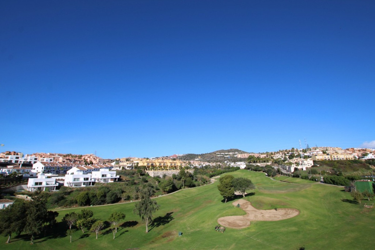 You will not be disappointed with this stunning setting on the front line to Miraflores Golf.  The a,Spain