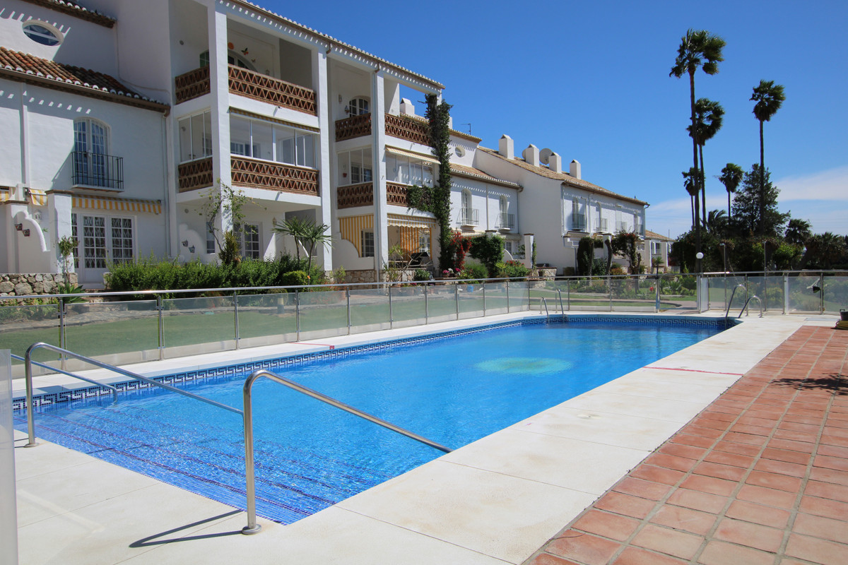 FRONT LINE GOLF one bedroom apartment, perfect for that holiday getaway location!!!  The property co,Spain