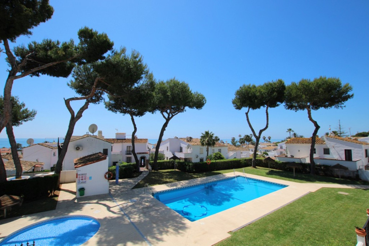 What a steal for a bright apartment within a 5 minute walk of La Cala de Mijas, beaches and public t, Spain