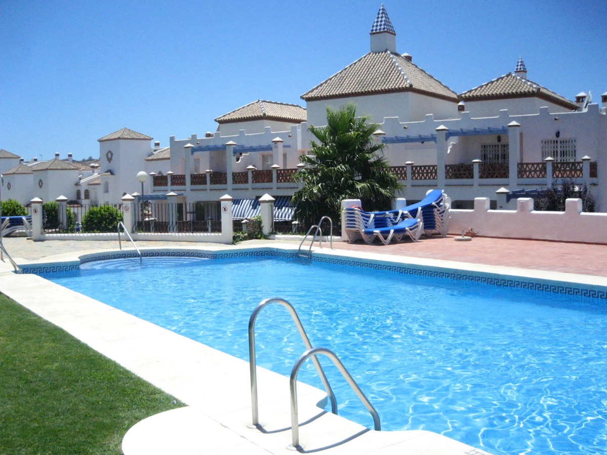 With absolutely stunning views, this apartment is situated right on the first line of Mijas Golf, an,Spain