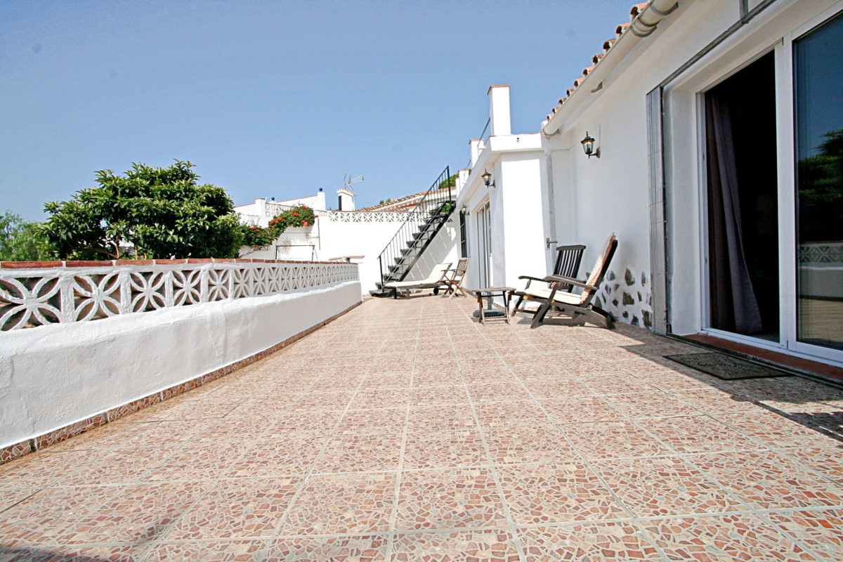 House in Fuengirola R3457300 30