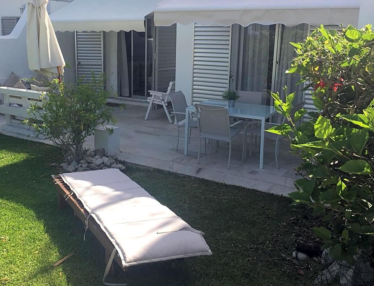 This flat is located in Marbella, Malaga, in the ALOHA area. It's an apartment, built in 1990, w, Spain