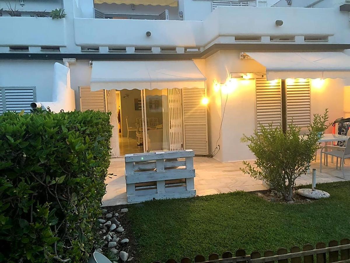 Apartamento Planta Baja  en venta en  Aloha, Costa del Sol – R3215902
