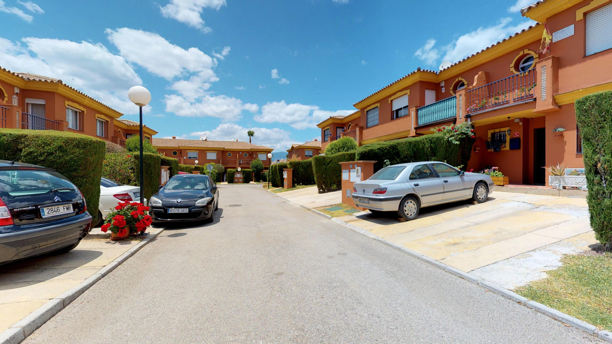 Beautiful townhouse in the area of Vista azur, Estepona. It is in a perfect area to live in, close t,Spain