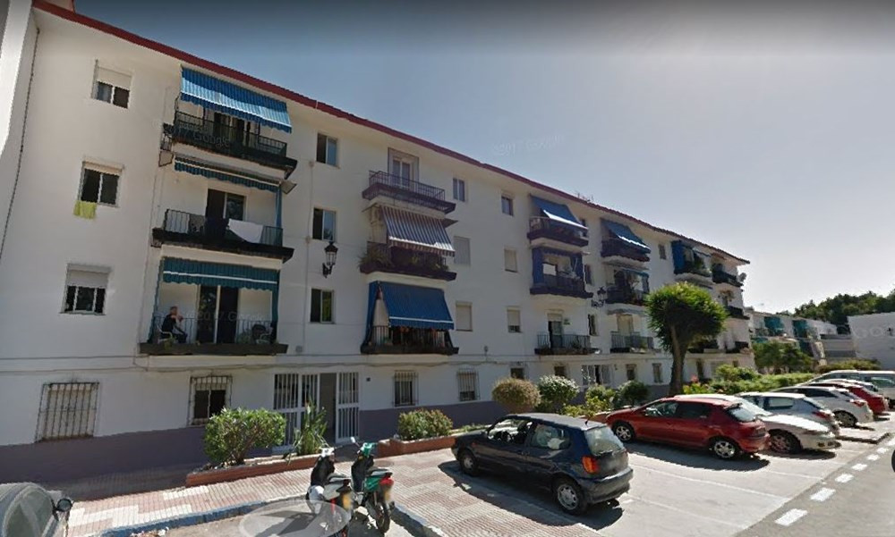 Beautiful flat in an area with easy access to schools, supermarkets, restaurants.  The flat consists, Spain
