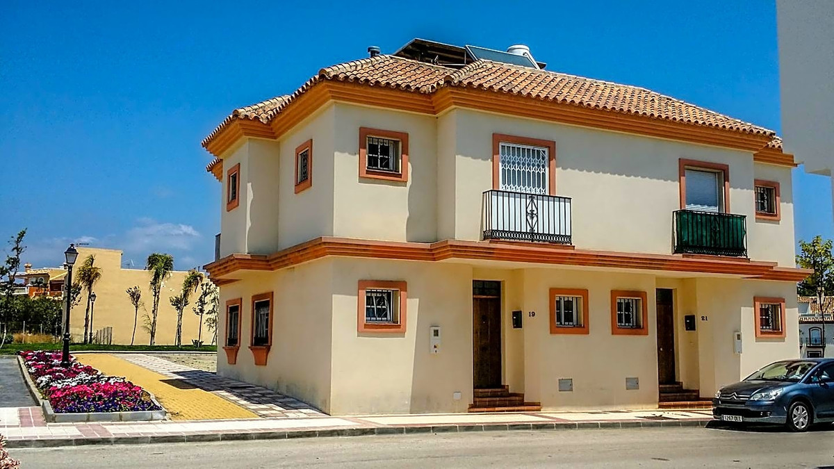 This house / villa is located Estepona, Malaga, situated in the district of Cancelada. It is a furni,Spain