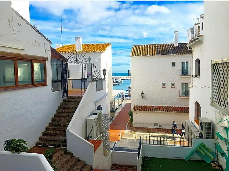 This flat is located in Puerto Banus, on the 2nd floor. It is a completely renovated flat with very , Spain