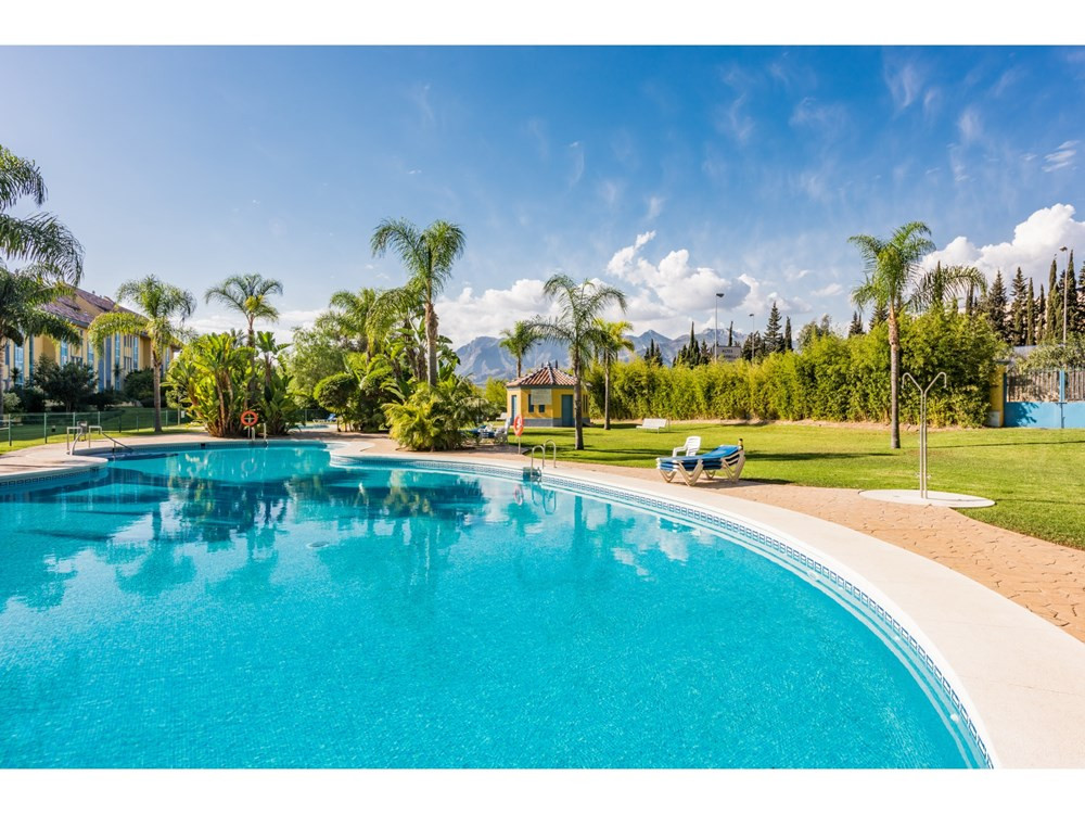 Spacious ground floor in a double gated community with 24h security and 3 minutes walk from the beac,Spain