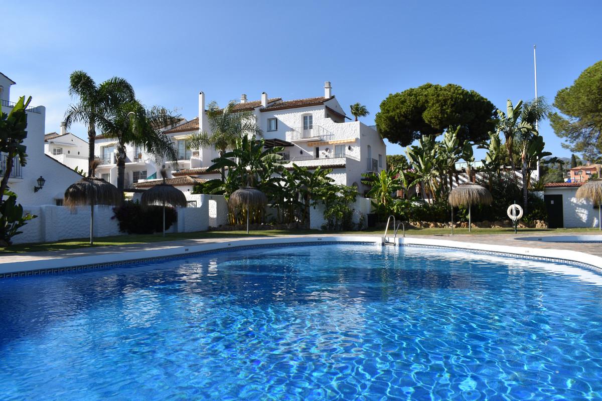 Marbella Banus Apartamento en Venta en New Golden Mile – R3728599