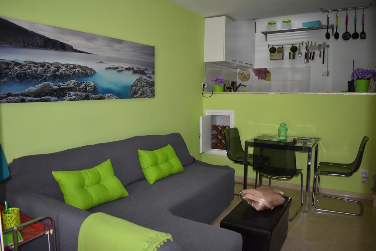 Apartamento en Venta en New Golden Mile – R3728599