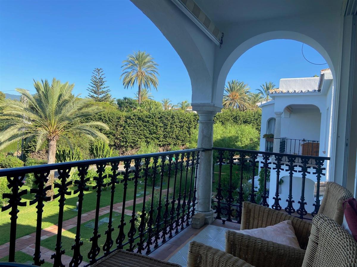 Marbella Banus Apartamento en Venta en El Paraiso – R3907000
