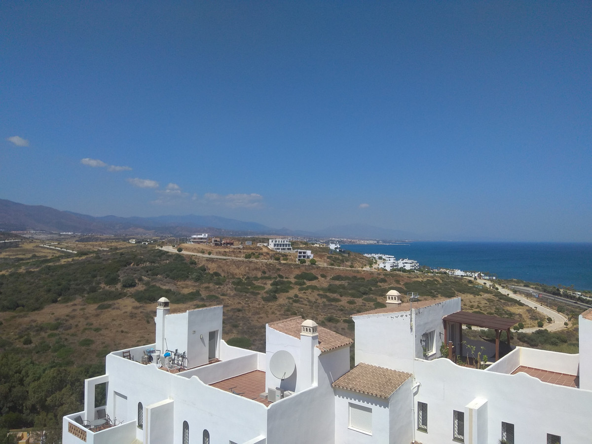 Amazing value for money, very bright 3 bed duplex apartment with stunning panoramic views. This newl, Spain