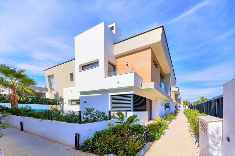 Renew Realty House Puerto Banús