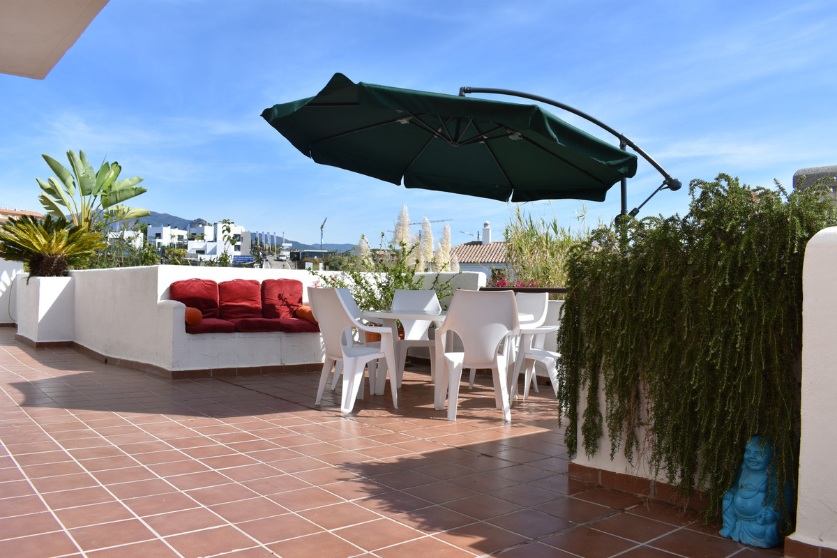 Unique 2 bedroom ground floor apartment with huge usable terrace and private garden. This ground flo, Spain