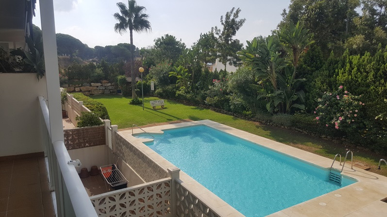 Apartment for sale in the area of ??Marbella, Las Chapas, next to the beach, 2 minutes walk! Good ac, Spain