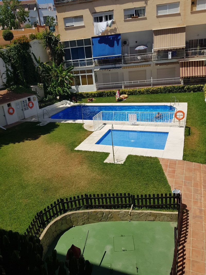 Middle Floor Apartment in Torremolinos for sale
