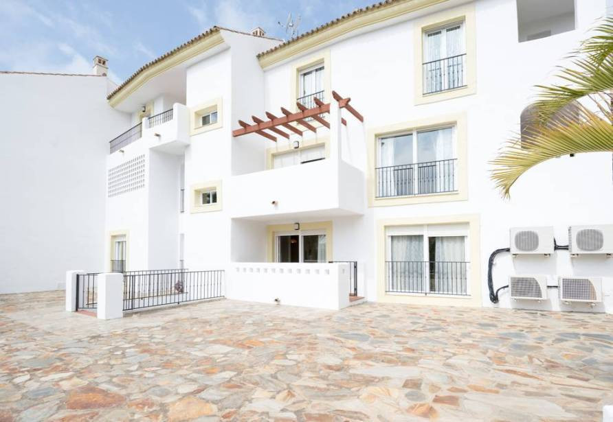 BEAUTIFUL HOUSE AVAILABLE TO RENT LONG TERM RENTAL LOCATED IN  RIVIERA DEL SOL !!!!! Beautiful semi-,Spain