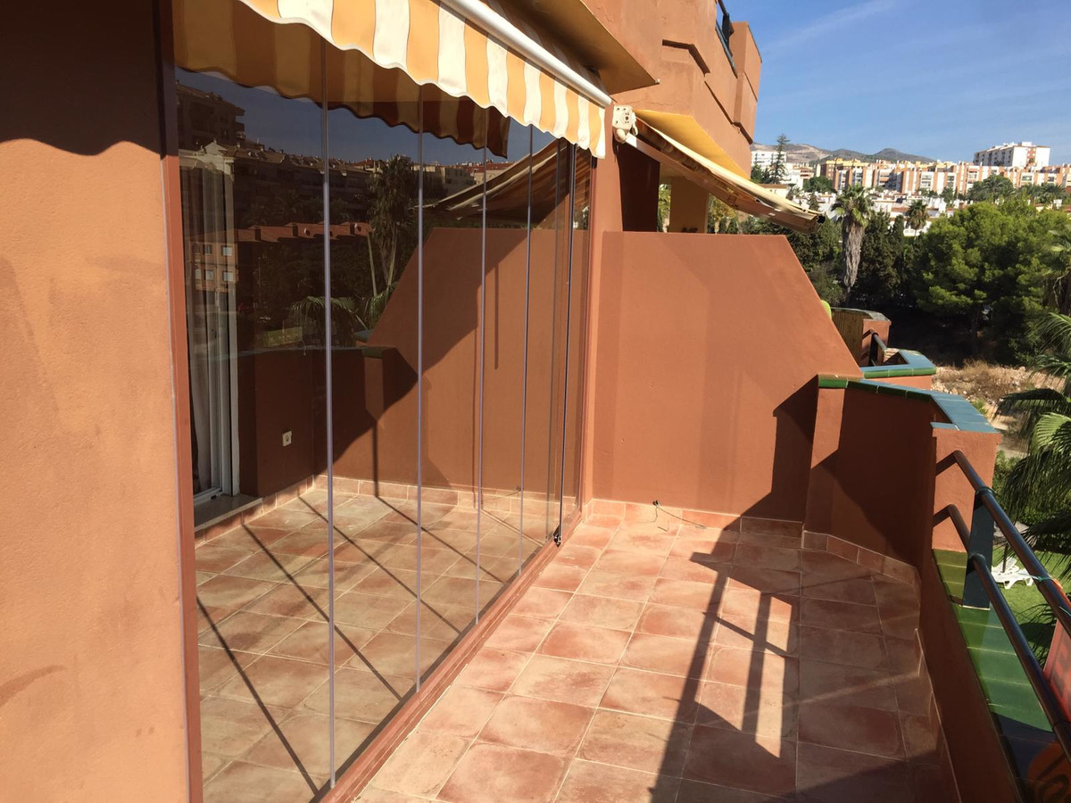 Apartment for sale in the area of ??Benalmadena, building with gardens and community pool, well loca,Spain