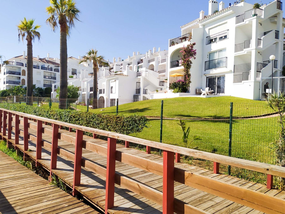 Frontline beach in Calahonda for less than 200K!!!  Great investment potential (up until recently wa, Spain