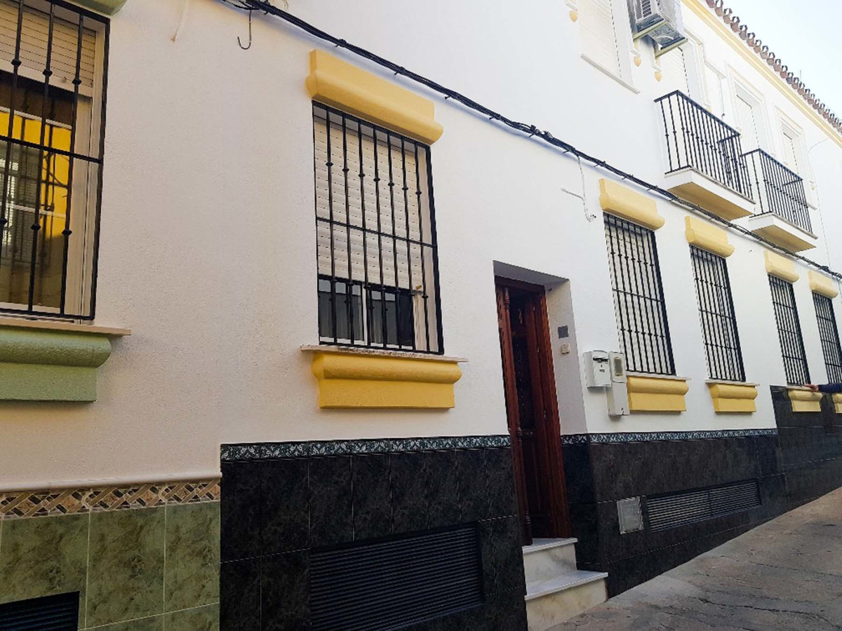 Immaculately presented 4 bedroom townhouse located just a minutes walk from the popular Plaza de la ,Spain