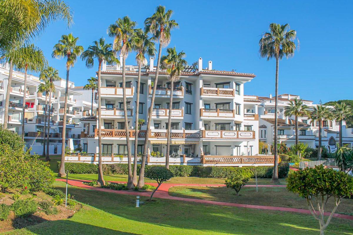 Marbella Banus Apartamento en Venta en Calahonda – R3859930