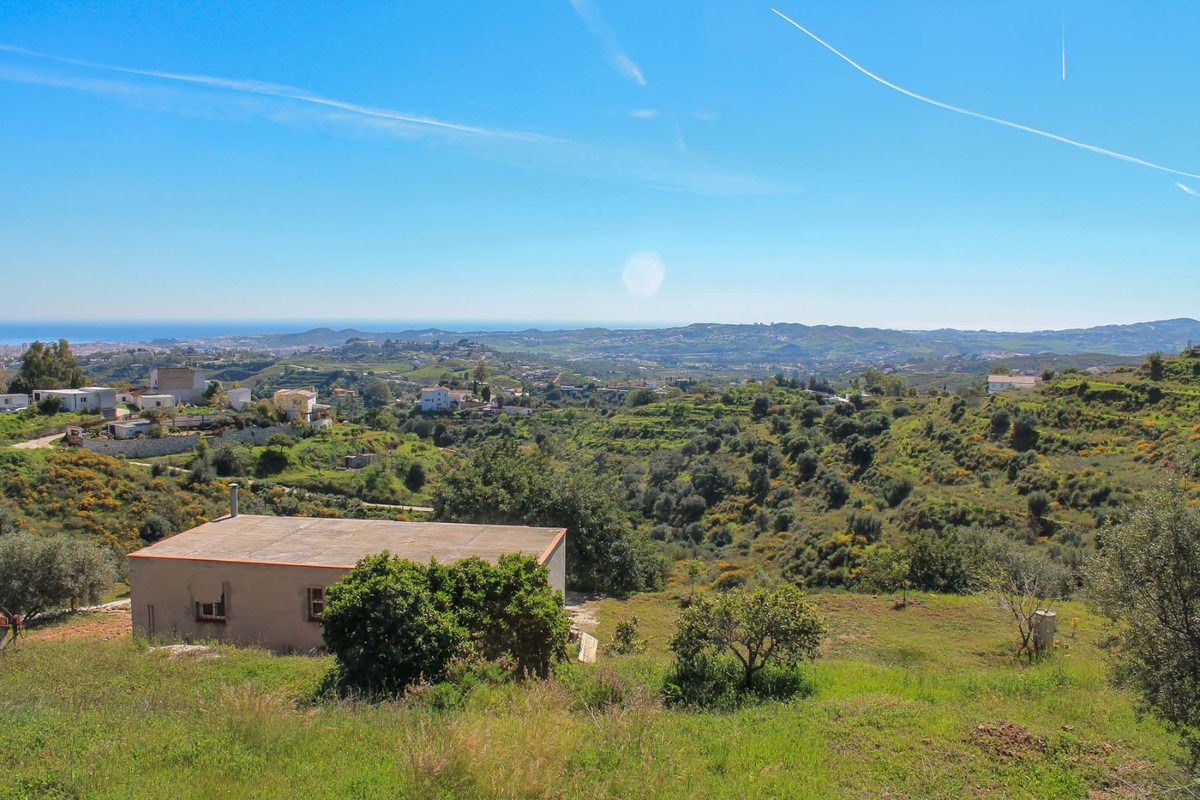 Excellent 14,177m2 Agricultural Plot for sale in Mijas!   This plot is located between Rancho de la ,Spain