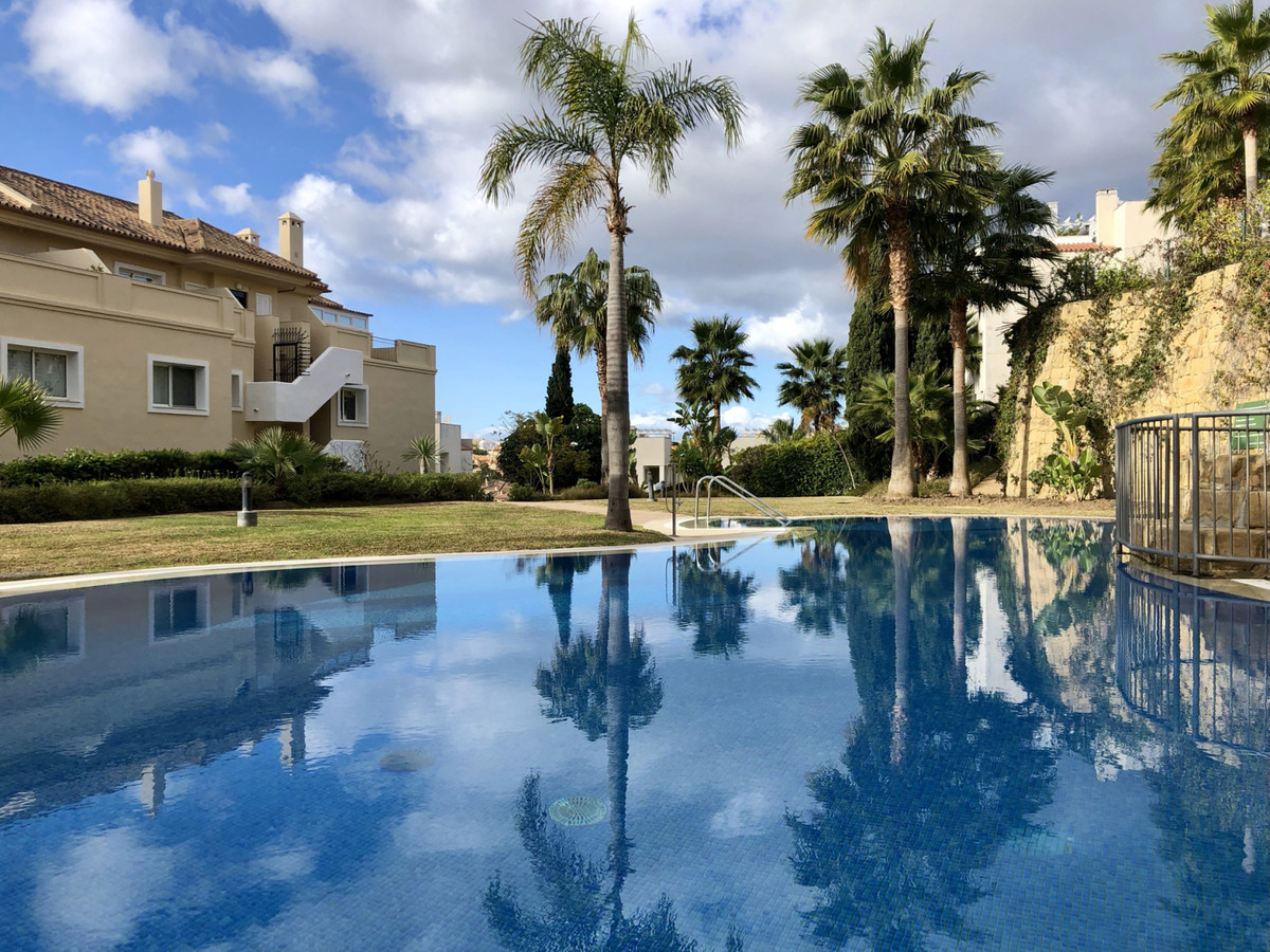 One of the best residential complexes on Riviera del Sol. Chic spacious apartment with a garage and ,Spain