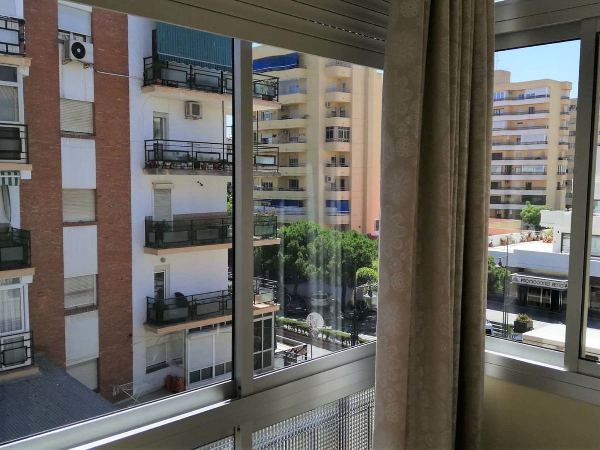 Fantastic 1 bedroom apartment completely renovated in the center of Fuengirola just 5 minutes from t, Spain
