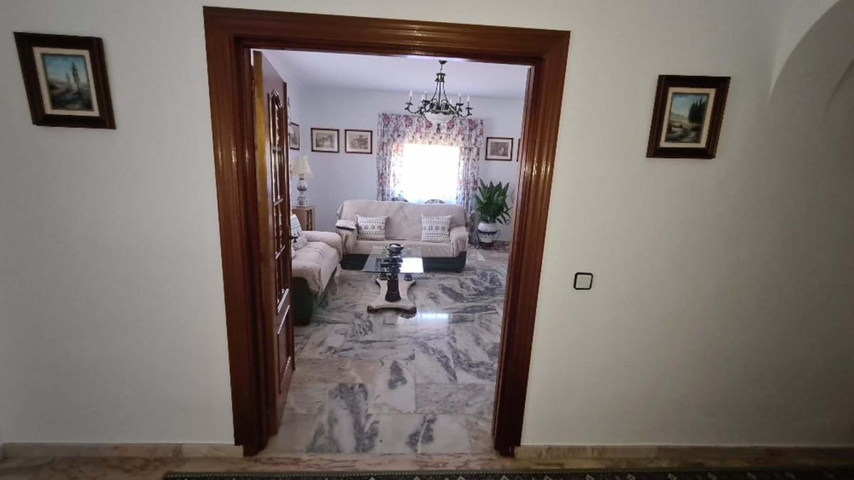 House in Alhaurín de la Torre R3909046 37