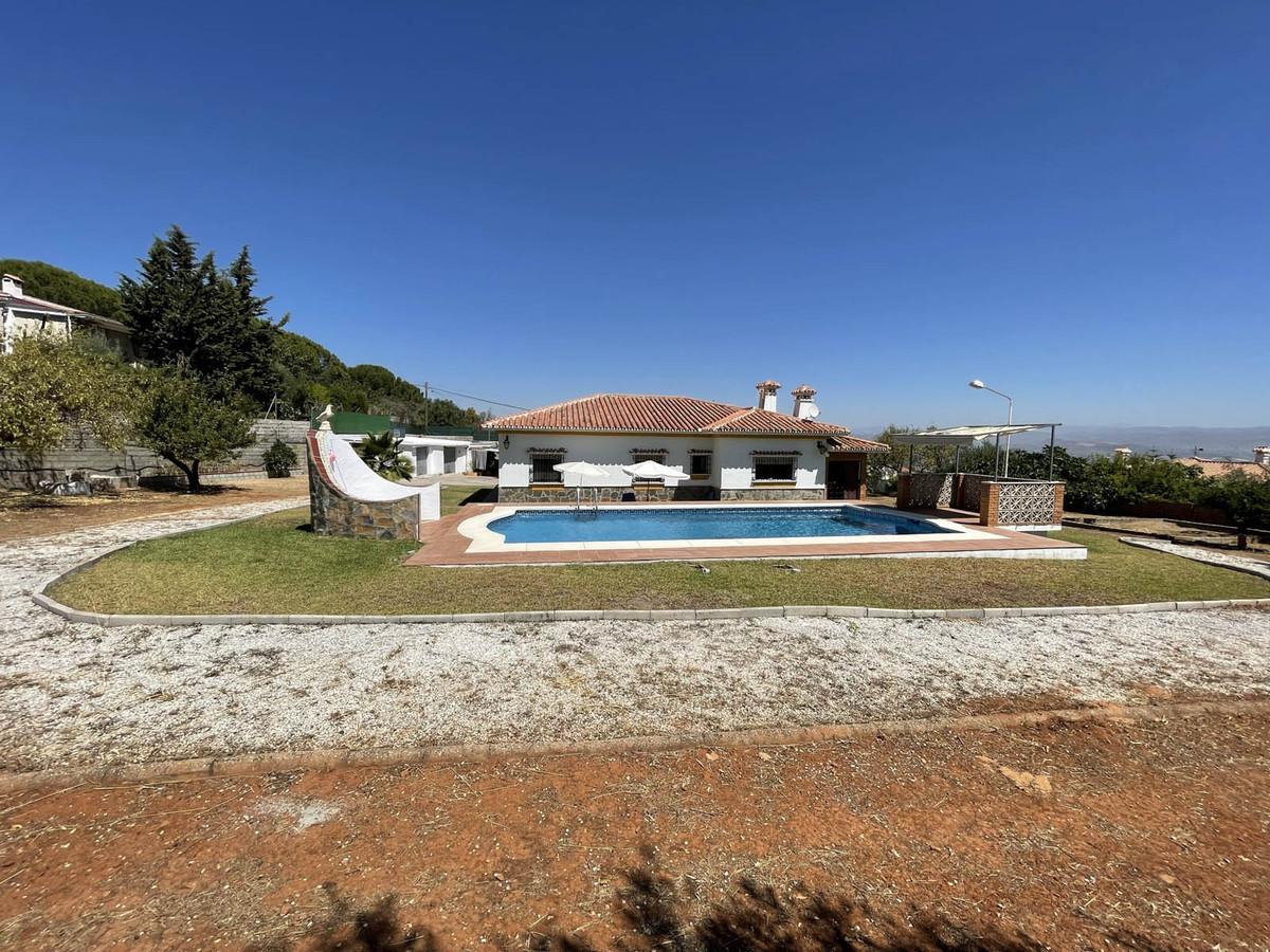 House in Alhaurín de la Torre R3909046 43