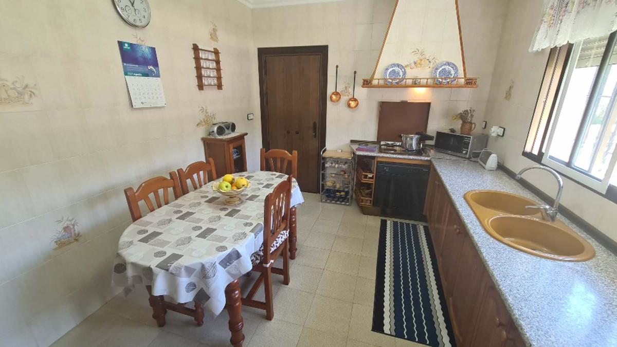 House in Alhaurín de la Torre R3909046 45