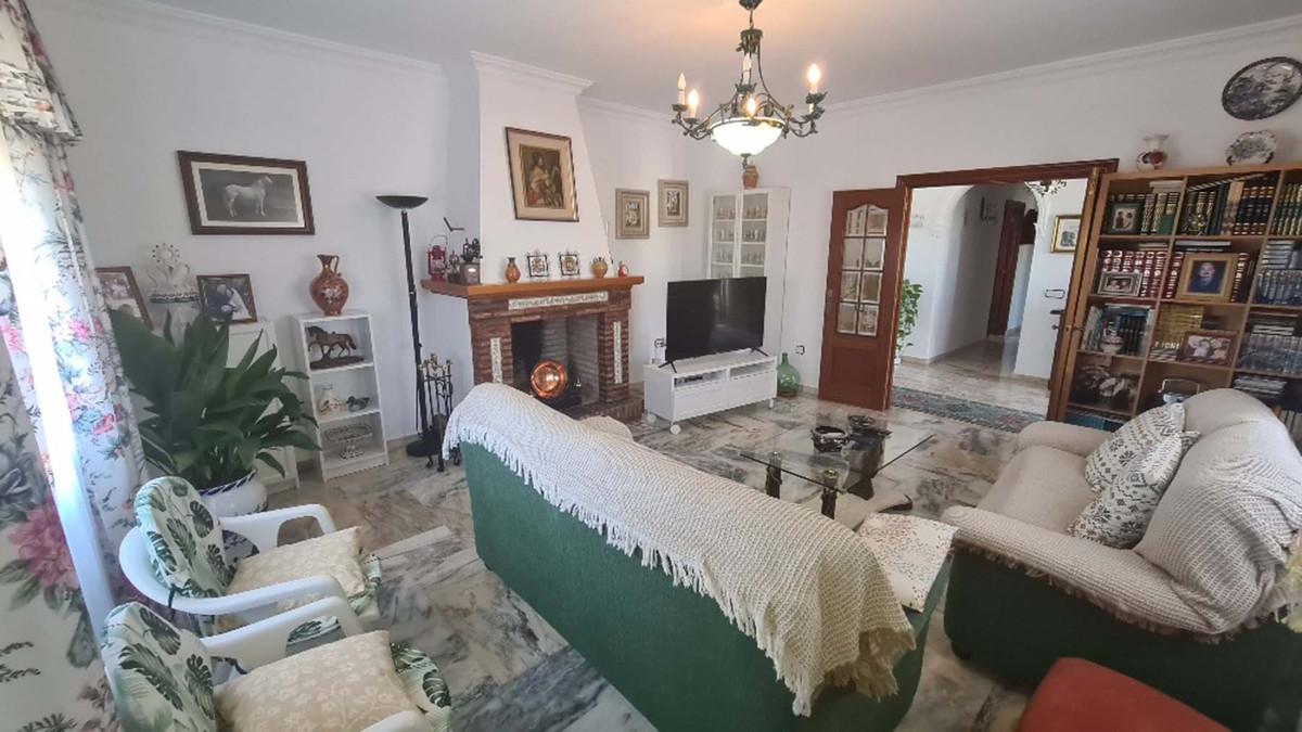 House in Alhaurín de la Torre R3909046 9