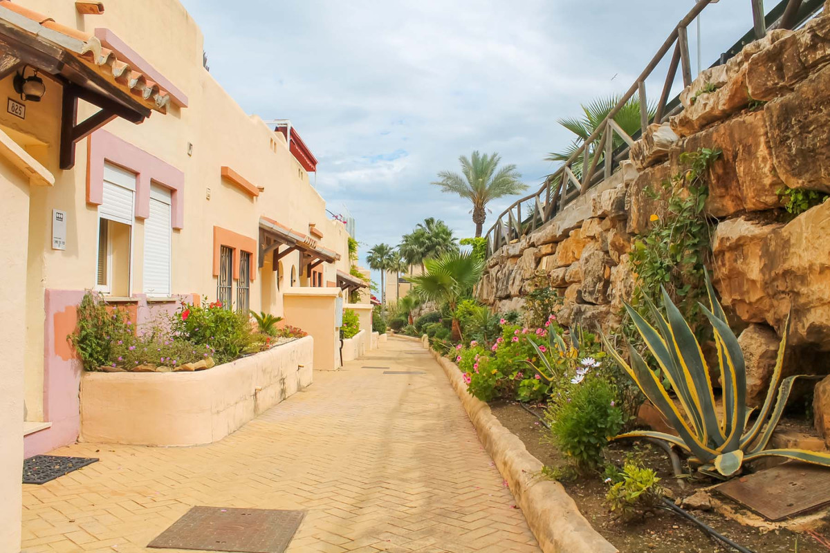 Duplex with stunning views for sale in La Cala de Mijas!!  This beautiful property boasts 2 bedrooms,Spain