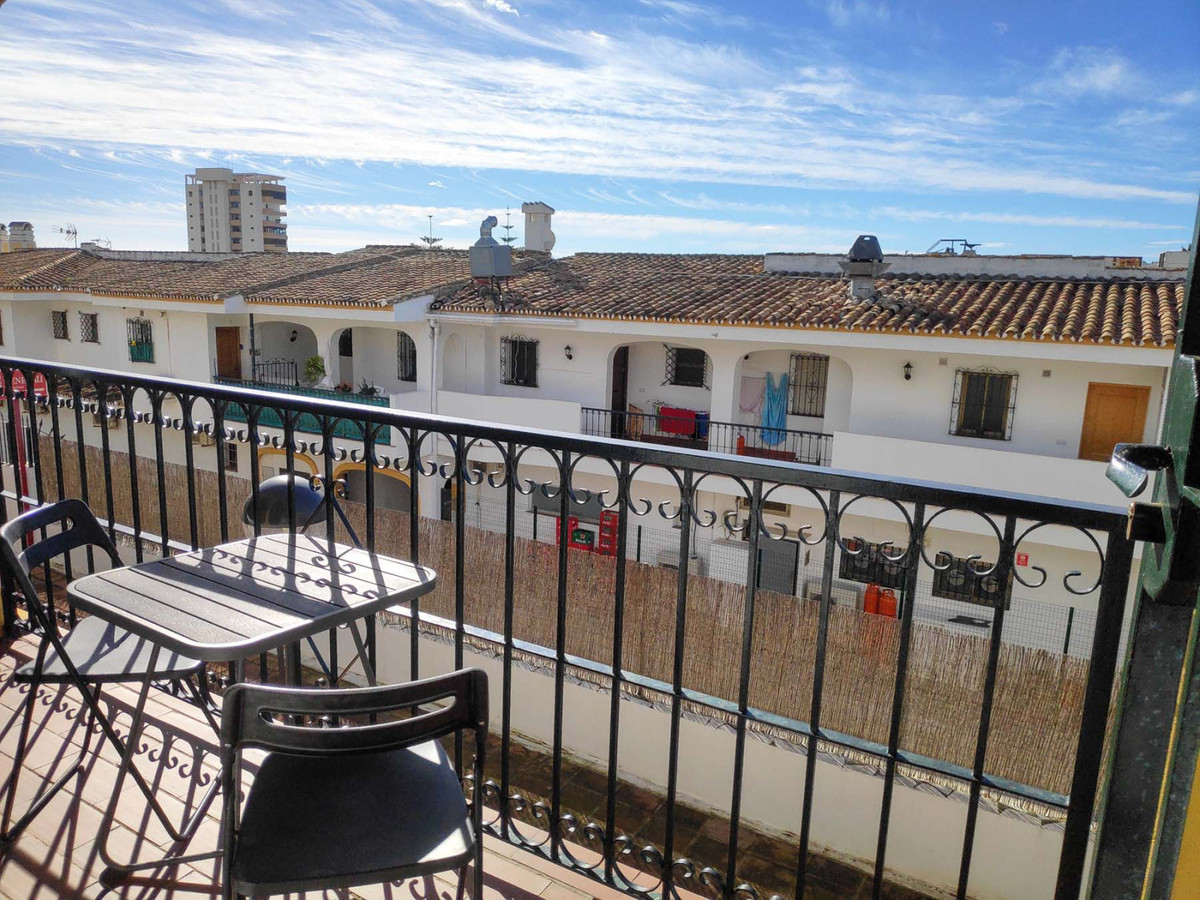 Beautiful 1 bedroom apartment in Riviera del Sol! Perfect rental investment!   This well appointed a,Spain