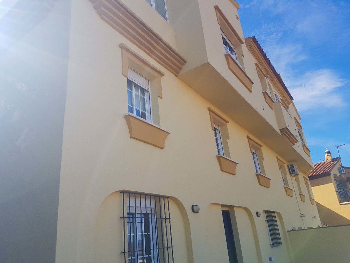 Absolutely beautiful semi detached house located in upper Alhaurin de la Torre in a quiet urbanizati, Spain
