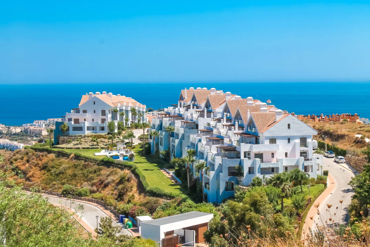 Superb 1 bedroom apartment with sea views for sale in Calanova!   Located in an excellent urbanizati,Spain