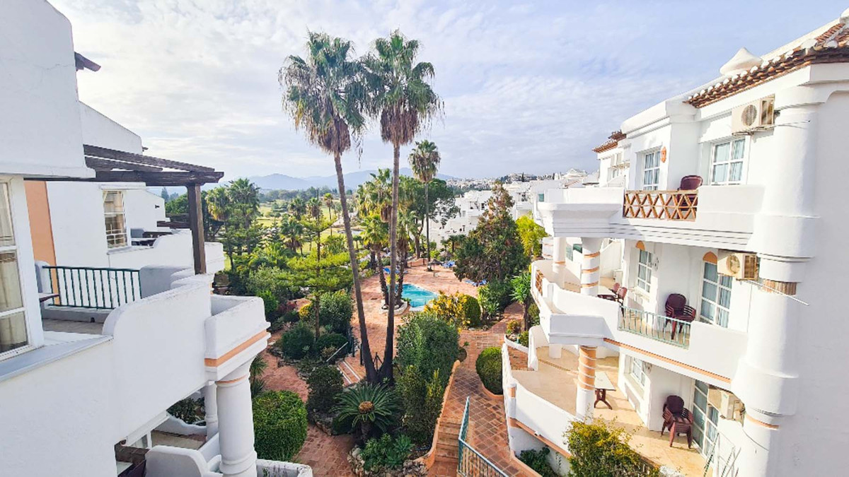 This beautiful appointed 3 bedroom penthouse apartment located in one of the most sought after front,Spain