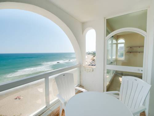 Fantastic 2 bedroom 1st line beachfront apartment right overlooking the beach and boardwalk. Perfect, Spain