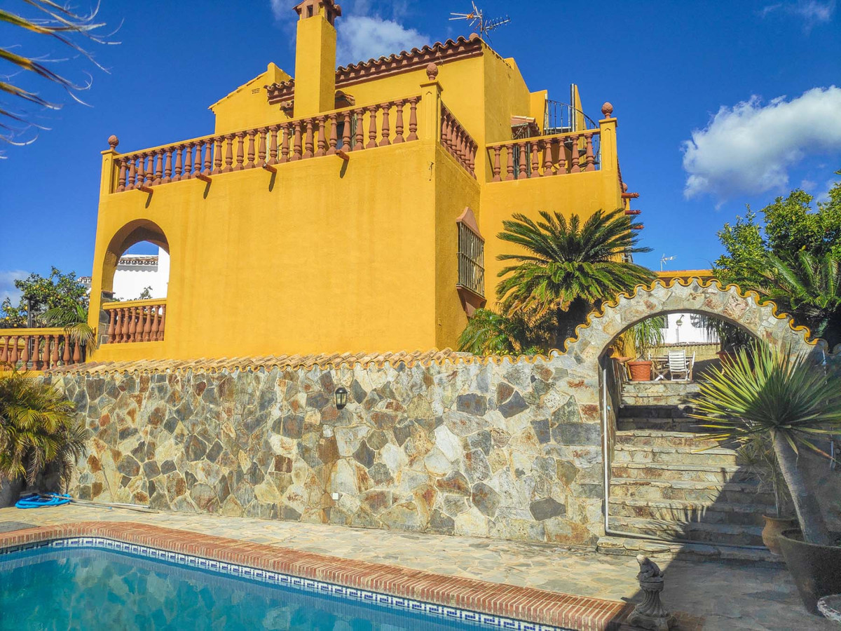 Set in one of the most prestigious area of old Marbella.   Less than 5 minute walk to schools, shops,Spain