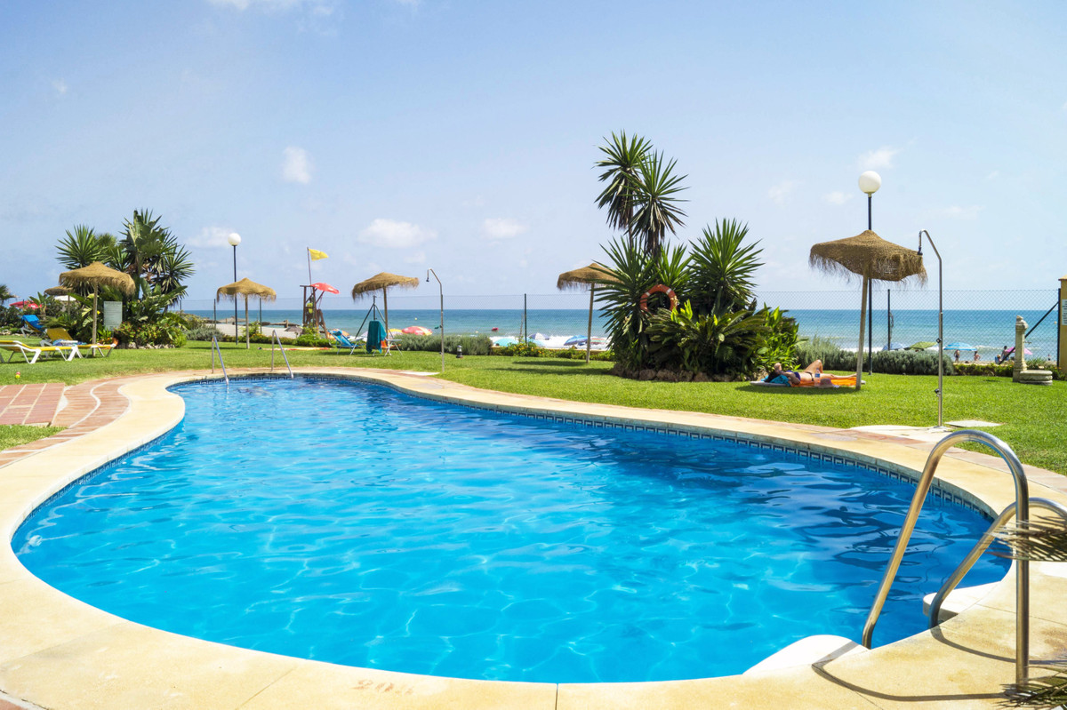 This beautiful bright 2 bedroom, 2 bathroom apartment definitely has the 'wow' factor.  Wi,Spain