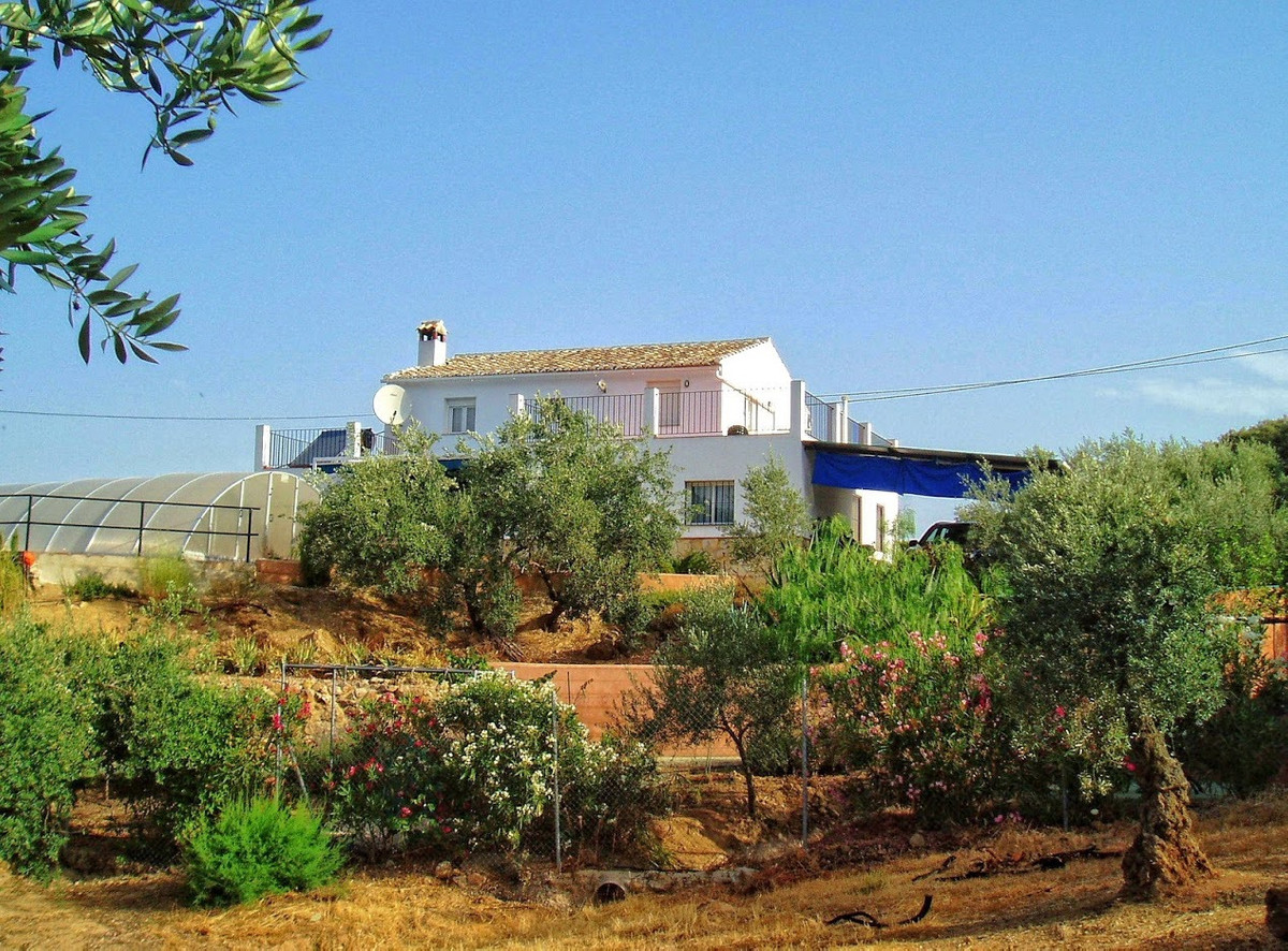 LOVELY CORTIJO IN ZAGRA FOR SALE!  This 4 bedroom, 3 bathroom Finca has been rebuilt in 2006.   It i, Spain