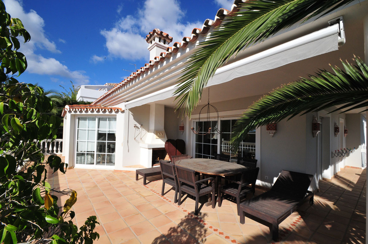 This fantastic villa is located in a beautiful, residential area of Calahonda, Mijas Costa.  This br,Spain